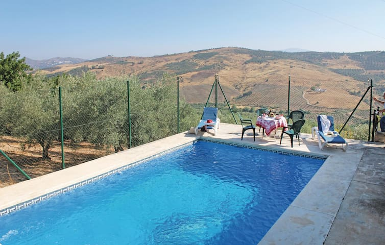 Holiday cottage with 3 bedrooms on 77 m² in Periana