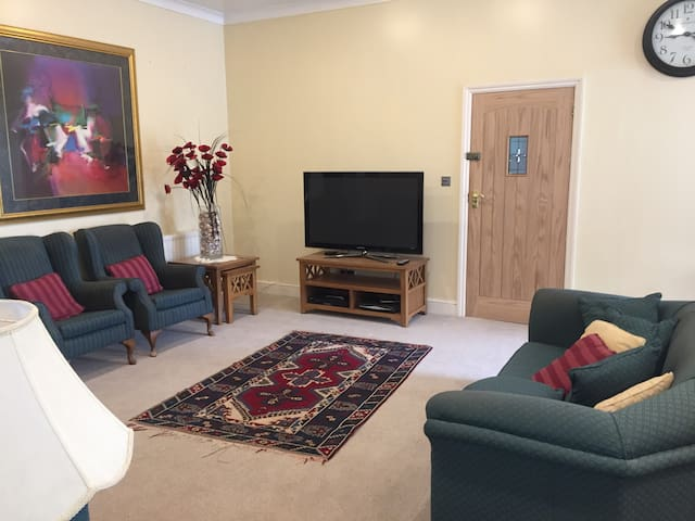 Guest House - completely separate & self contained