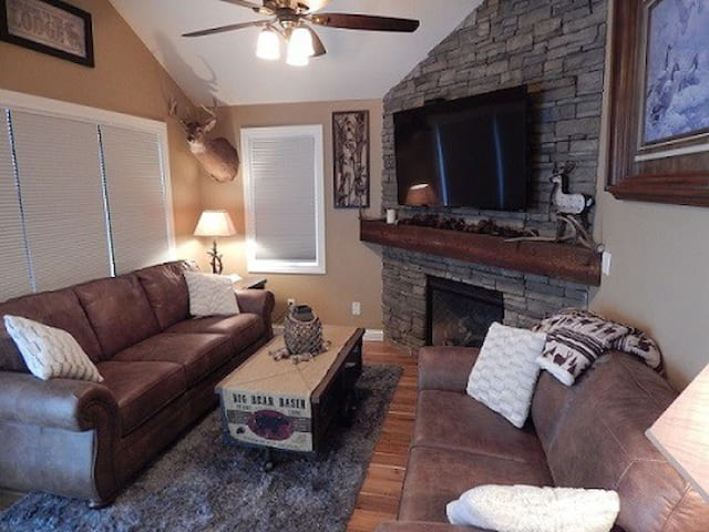Townhome with Lodge Theme