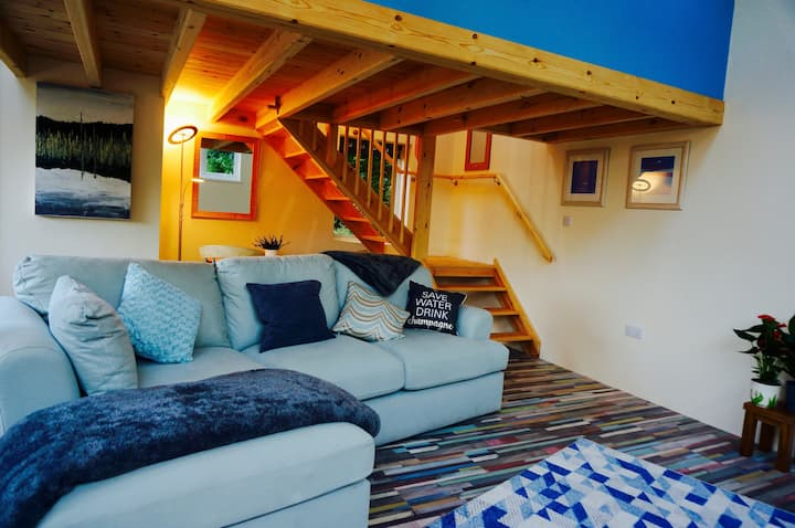 The Hideaway, Castle-An-Dinas,Cornwall TR9 6JB