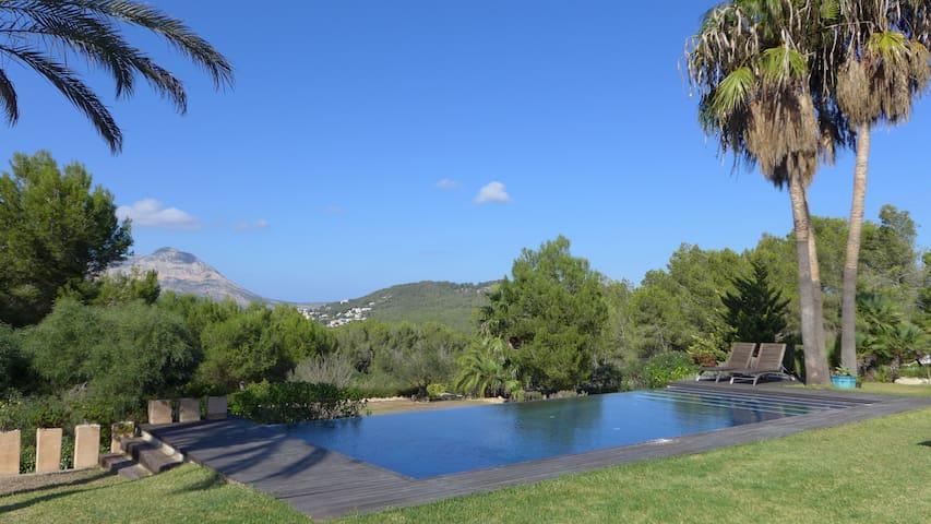 Luxury Family Villa - Alborada - Villa