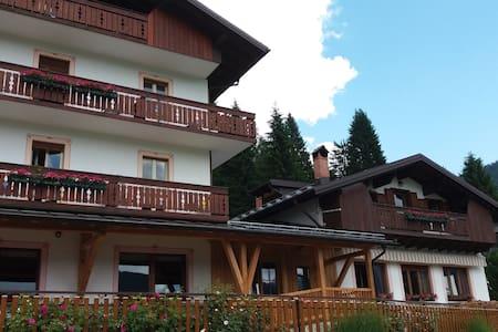 Garnì B&B Rondinella Feder1 Marmolada Dolomiti - Feder