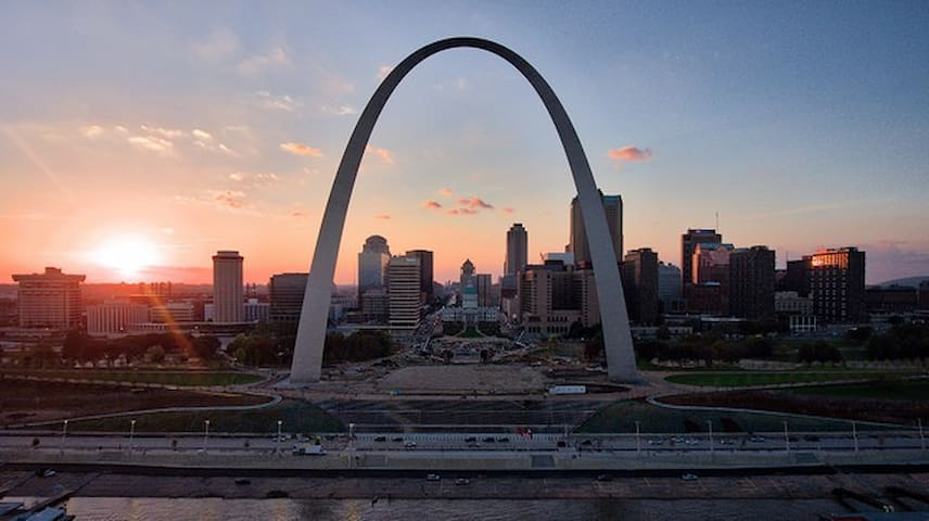 Guidebook for lovely Saint Louis