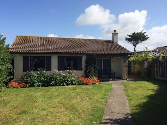 Cornish Bungalow by the Beach - Saint Merryn - Lejlighed
