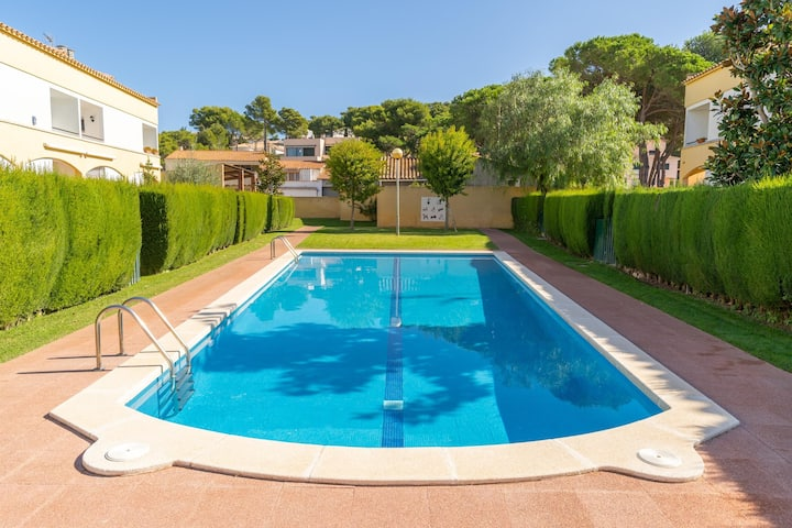 Adela: House with garden and community pool