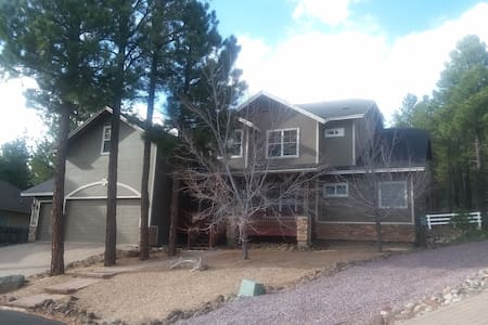 Spacious, relaxing retreat minutes to Flagstaff