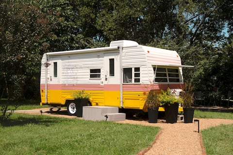 Dolly's Fantasy Camper