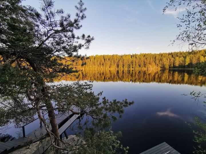 VillaGlassHouse - Unique Lakefront Luxury Retreat