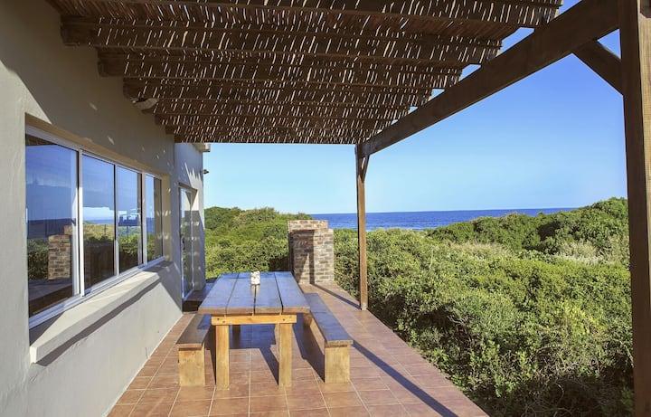 Stunning Beachouse - Beachfront