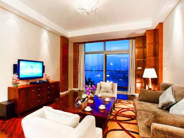 千岛湖绿城度假酒店豪华套房(顶楼跃层)---给你一个完美的度假体验 - Hangzhou Shi - Apartment