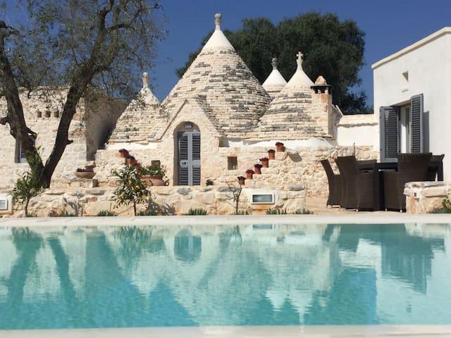 Trullo Colomba with infinity pool - San Michele salentino - Tatil evi