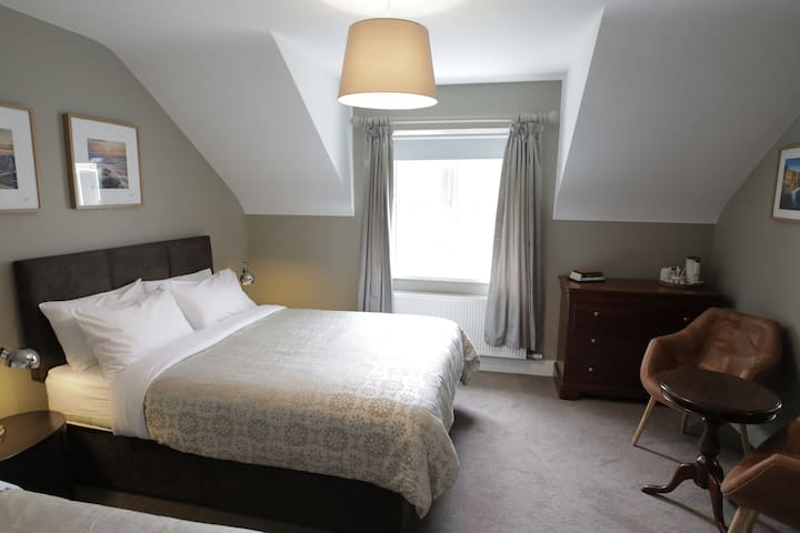Double/Twin (3 Bed Family) @ Doolin Inn,