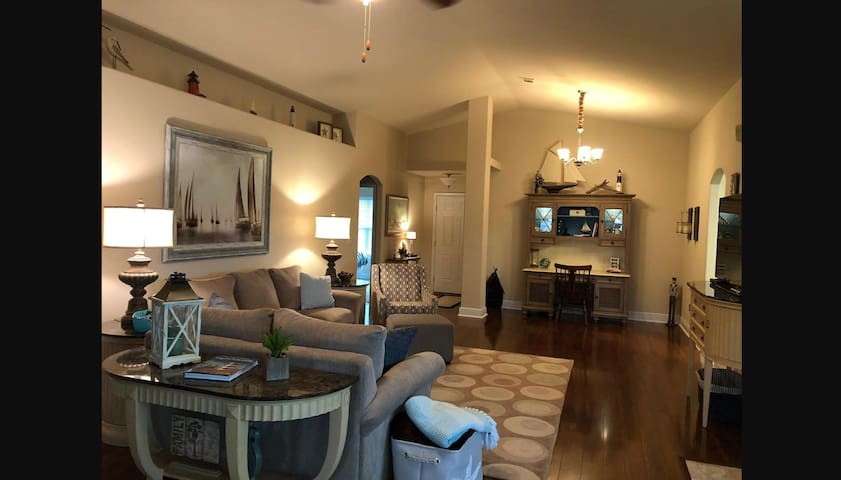 Executive Rental - Fully furnished House in Pace, Florida