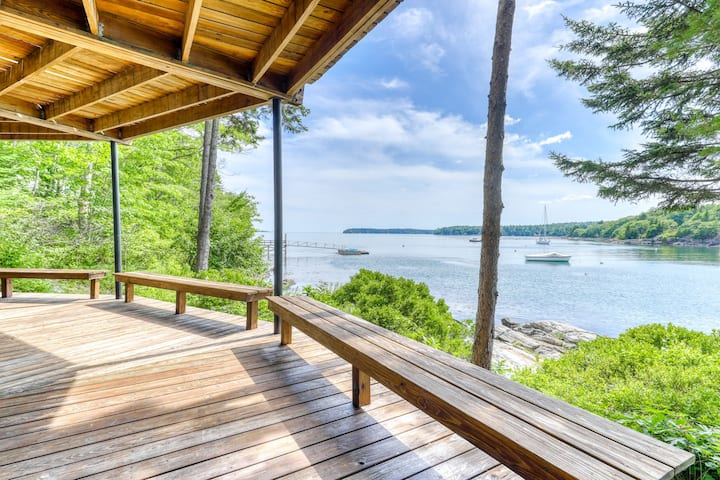 New listing! Unique oceanfront home w/ wall of windows & amazing view!
