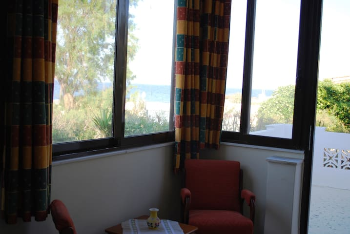 Sitting area with sea view