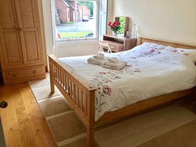 Cosy room in town centre