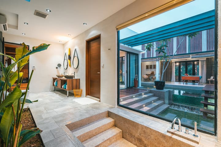 Luxurious Semi Open Villa With Private Pool