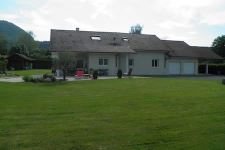 Maison contemporaine à la campagne 200 m² 7-8 pers - Peyrieu