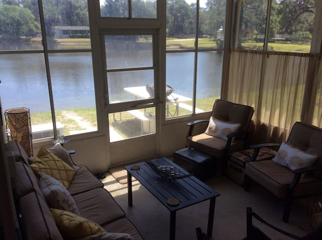 Cozy, clean and comfortable! - Flagler Beach - House
