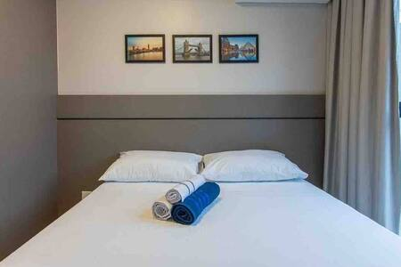 Apartamento 4 · 04-Kit/Studio Contêiner próx.ao aero e shopping.