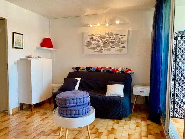 Studio cabin with a lot of charm, view on the boats - Cap d'Agde