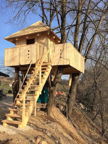 Wooden tree house - Radovljica - Kabin
