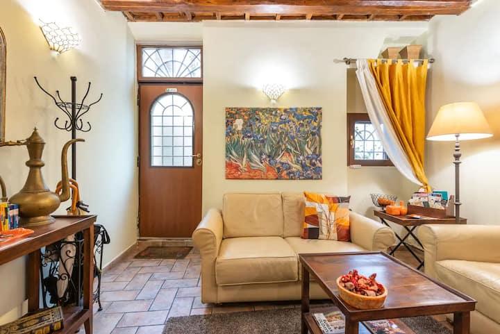 """La Torre Suite Trastevere"" charming private House"