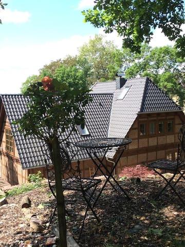 """Ferienwohnung """"Pleissenhaus"""" - Ihre liebevoll eingerichtete Wohnung für Paare im Fachwerkhaus im Altenburger Land"""