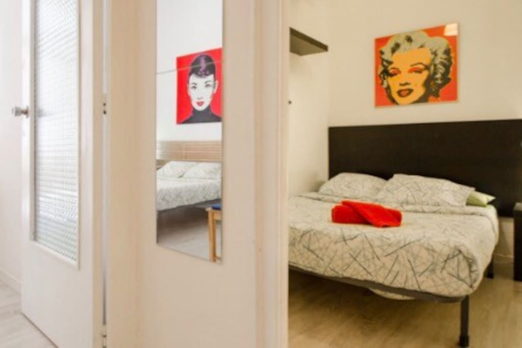 Double Bed In The Coolest Barrio Apartments For Rent In Barcelona Ct Spain