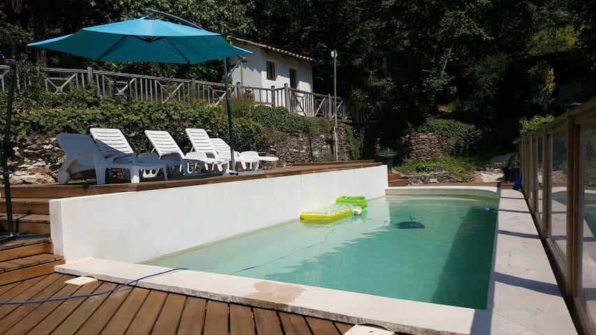 Gîte le paillou en cevennes avec piscine