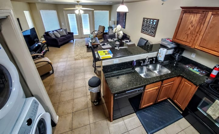 Mr. Right's Beautiful Riverview Waterwheel Condo