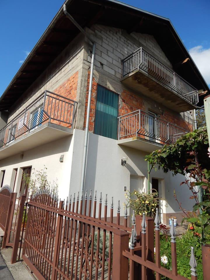 Beautiful large apartment in Bosanska Krupa