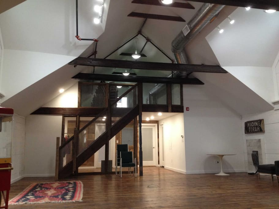 Giant catskills loft with unique style fienili in for Loft in affitto new york