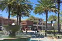 Block away from Aliso Viejo town center, Ralph's grocery store, banks, tjmaxx, Edwards movie theater, Barns n noble, restaurants and many more....
