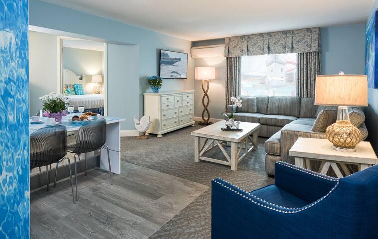 Cape Codder Resort - Family Suite