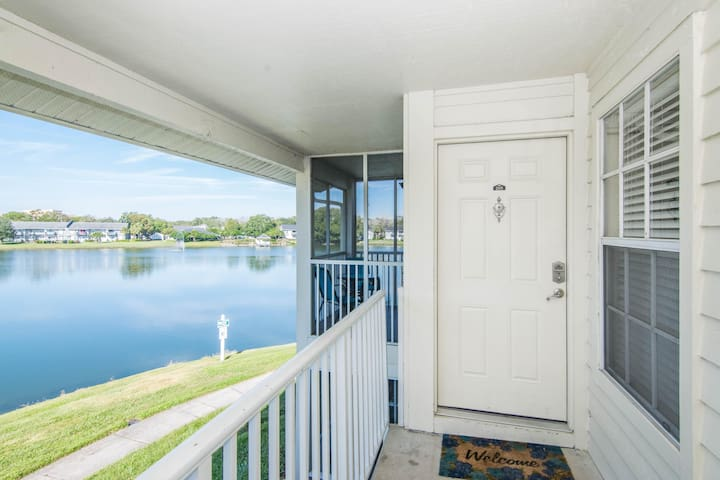 Lake Front - Corner Unit - 2 Bedroom 2 Bath