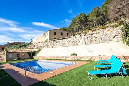 Catalunya Casas: Sublime Villa Mas Godell in famous Catalan wine regions!