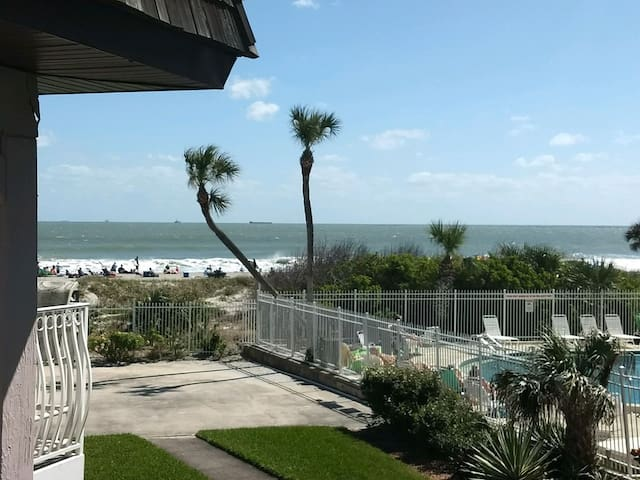 Beachfront Condo at Cocoa Beach Pier!