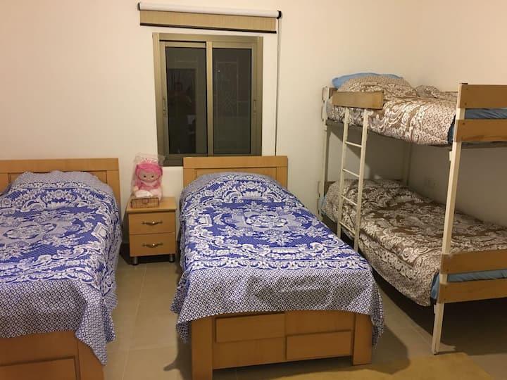 5 Beds Bedroom