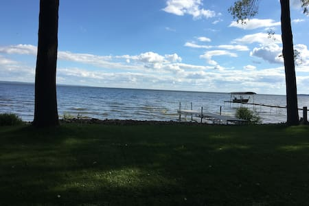 Upscale Cottage On Lake Winnebago - Menasha