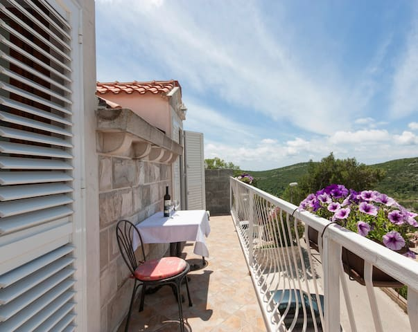 Micika-Lovely Ap. with Balcony and Sea View