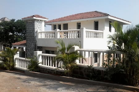 2 BR Bungalow Surrounding with hills in Lonavala - Lonavala