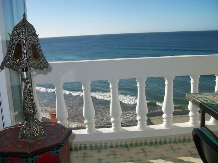 El Baraka: balcony; beach views - see Hash Point!