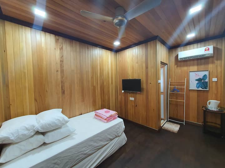 Amazing Seaside Wood Chalet No4 @ RainTree Villa