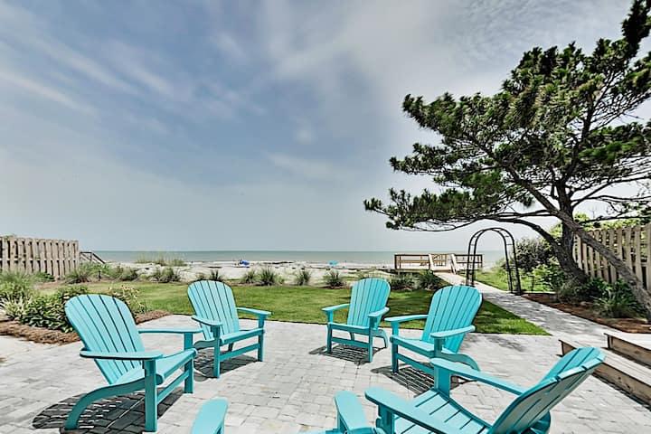 Brand-New Beachfront Estate w/ Chef's Kitchen