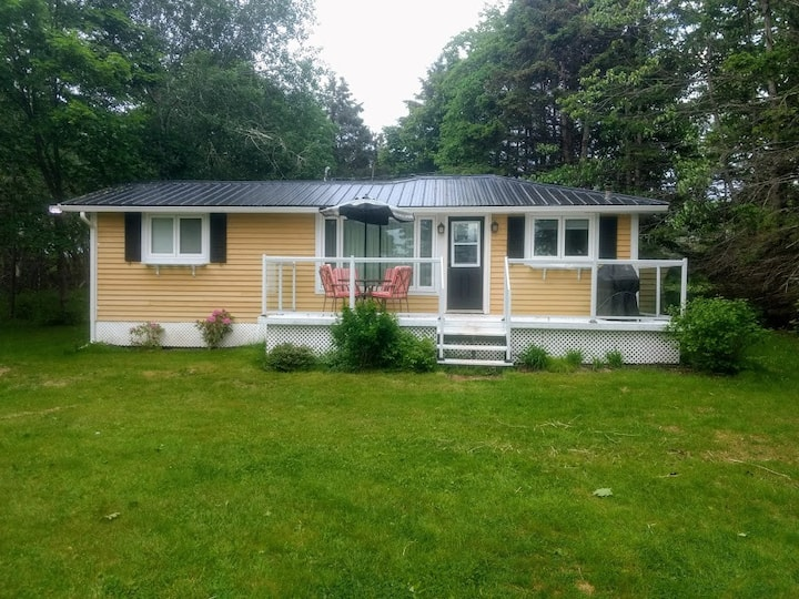 Private Cottage For Rent in Stratford P.E.I.