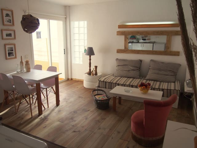 Cozy sea side apartment - Ibiza