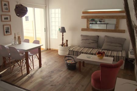 Cozy sea side apartment - Ibiza - Departamento