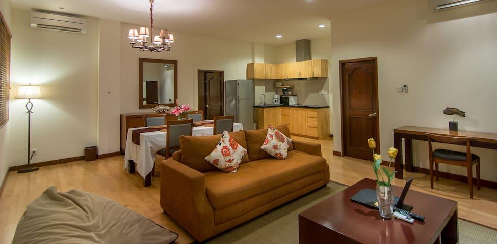Cozy Apartment with pool at Seminyak Square - Kuta - Appartement