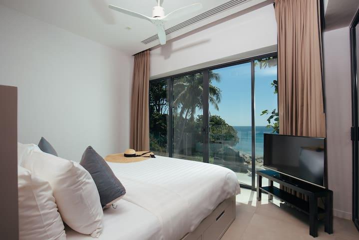 Villa Sunyata - Loft Master Bedroom with Sea View (Bedroom #8)